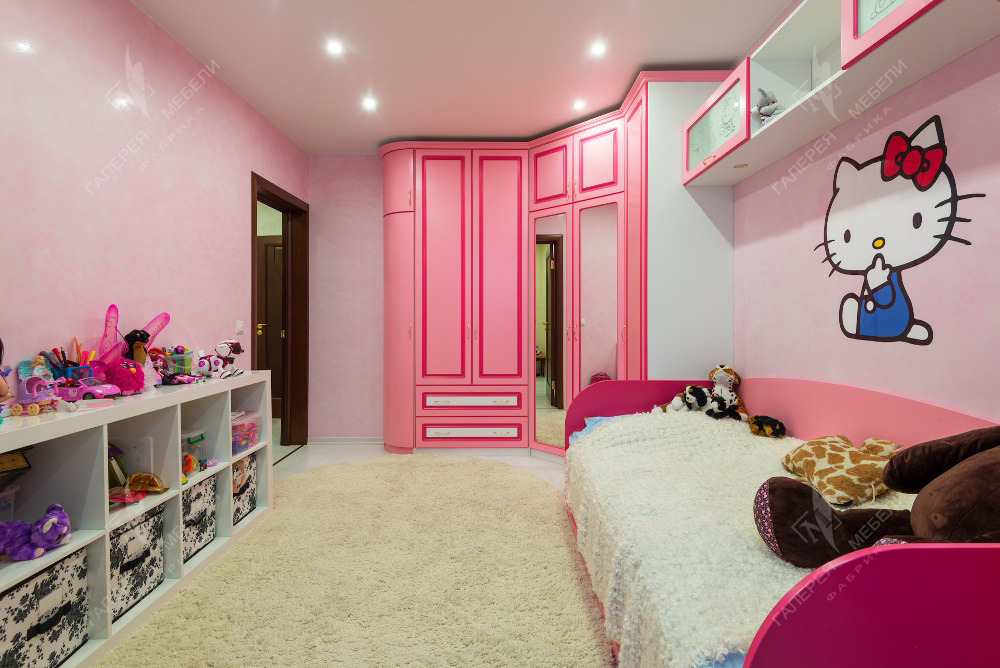 Дизайн детской прямоугольной комнаты для девочек.